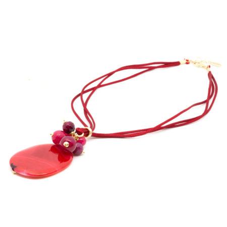 CI-F192 RU. Ciondolo in agata e filo in seta. Colore Rosso Rubino