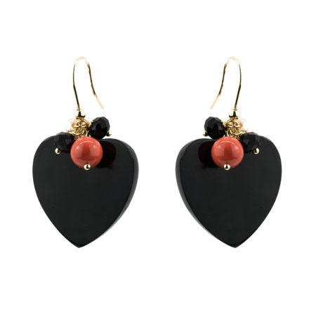OR-F539 N Orecchini realizzati in cuore corno, conchiglia e cristalli. Colore nero.