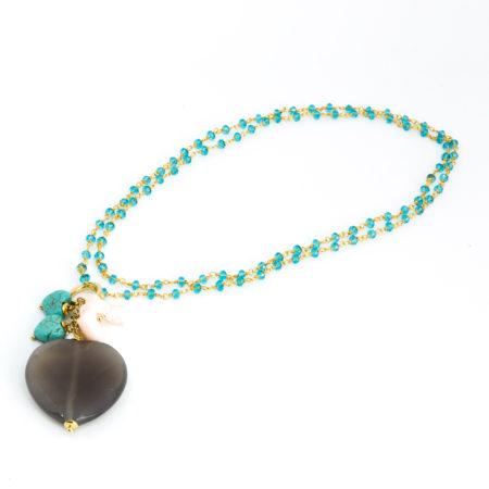 Ciondolo in aulite, agata, perla di acqua dolce e corallo. Lunghezza 6 cm